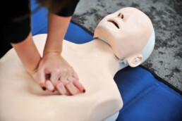 Docka som används till hjärt- och lungräddning